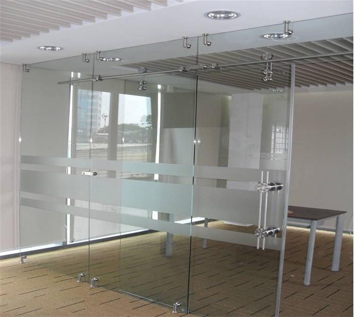cửa kính 2 cánh lùa treo